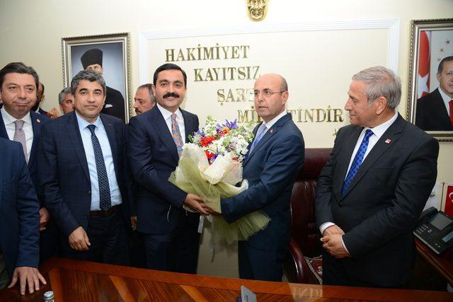 Kırşehir'de CHP'li Başkan, görevi devraldı