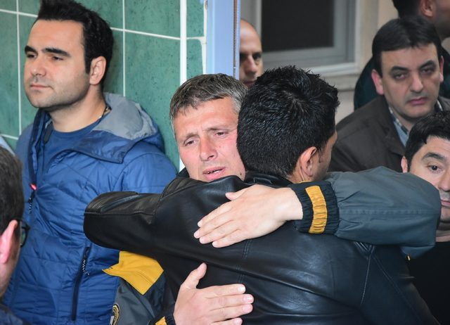 İzmir'de meclis üyesinin 16 yaşındaki oğlu intihar etti (2)