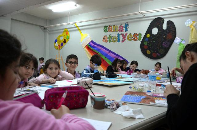 İlkokuldaki depo sanat atölyesine dönüştürüldü