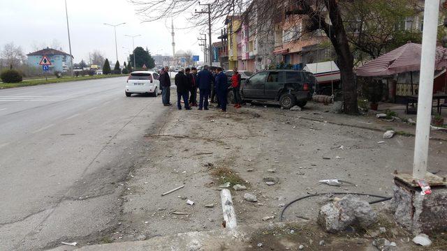 Takla atan otomobildeki Ordu İl Kültür ve Turizm Müdürü ile şoförü yaralandı