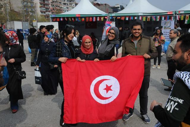 İzmit'te yabancı üniversite öğrencileri kültürlerini tanıttı