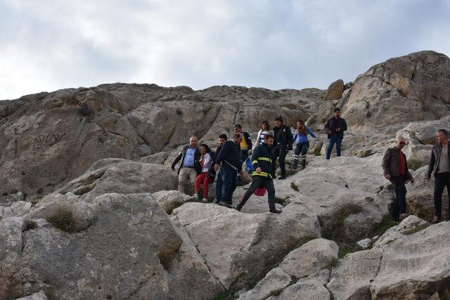 Suriyeli kız kayalıklarda intihar girişiminde bulundu