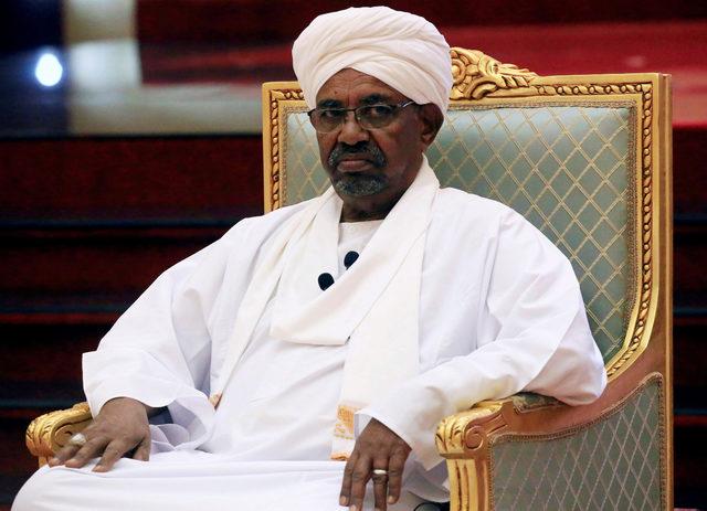 2019-04-11T071627Z_144095848_RC1D30AF01C0_RTRMADP_3_SUDAN-POLITICS