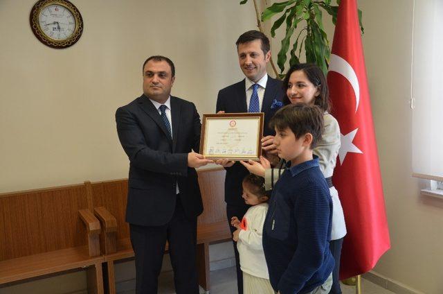 Yeniden Çerkezköy Belediye Başkanı seçilen Akay mazbatasını aldı