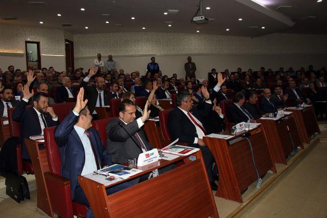 Yalova Belediye Meclisi ilk oturumunu yaptı
