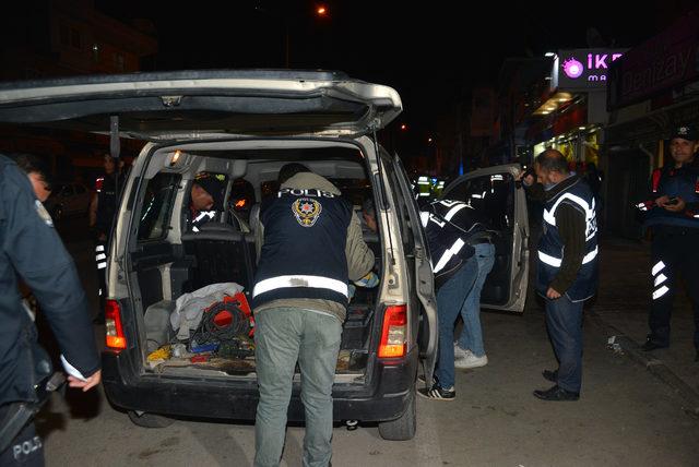 Adana'da 1275 Polis ile Hava Destekli Asayiş Uygulaması ile ilgili görsel sonucu