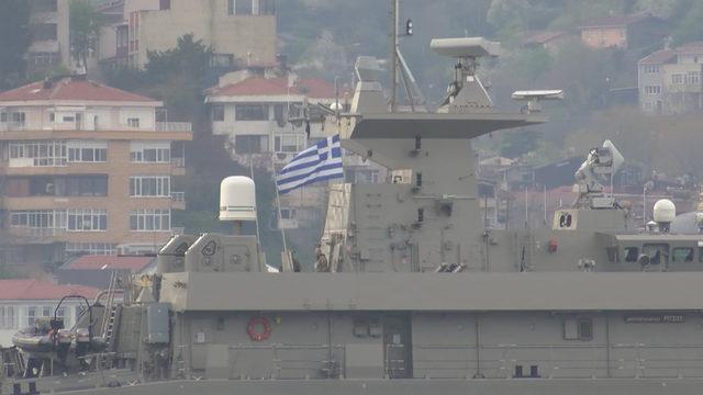 Yunan savaş gemisi Boğaz'dan geçti