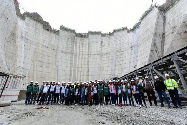 -turkiyenin-en-yuksek-baraj-insaatinda-85-metre-govdeye-ulasildi----------_9415_dhaphoto3