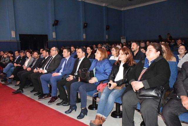 Limak Enerji Tiyatro Topluluğu Balıkesir'de sahnede