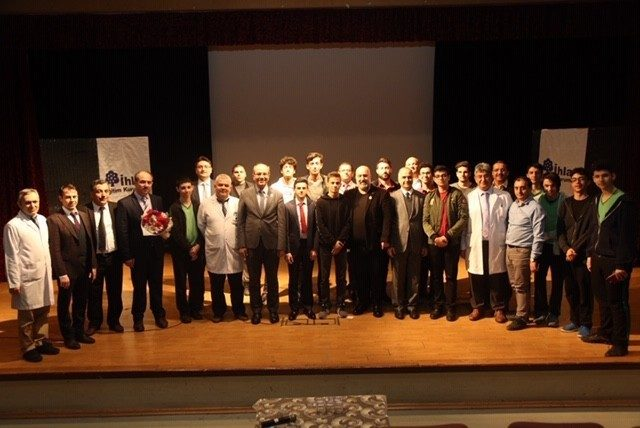 İhlas Koleji'nde Abdülhamid Han Konferansı düzenlendi