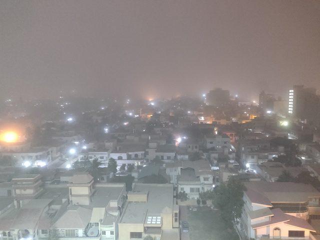 Pakistan'da şiddetli fırtına: 3 ölü, 20 yaralı