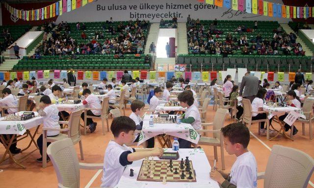 Minik yüreklerin satranç heyecanı