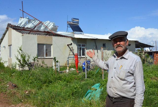 Antalya'da hortum seraları vurdu (2)