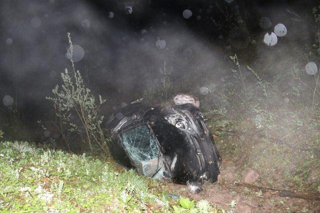 Otomobil 200 metre uçuruma uçtu 1 kişi yaralandı