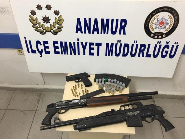 Polisten dalgıç kıyafetli kaçak kazı operasyonu