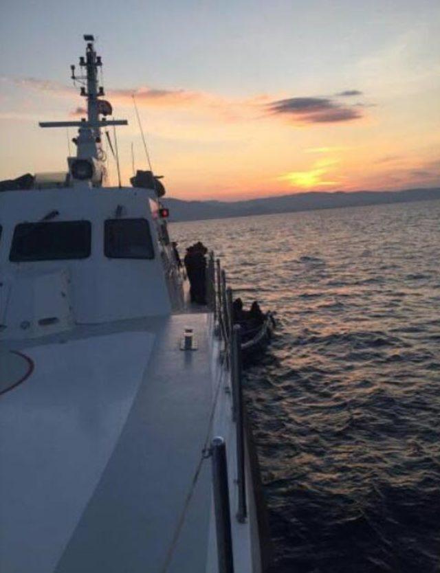 Menderes'te 44 kaçak göçmen yakalandı