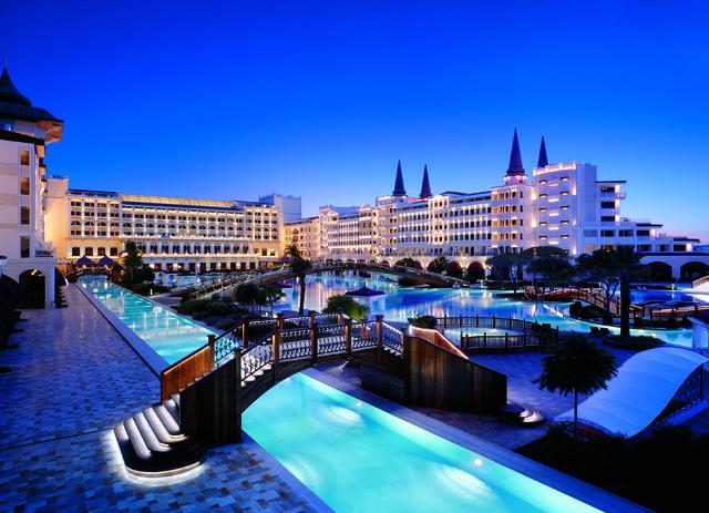 titanic-mardan-palace-aciliyor_3487_dhaphoto2