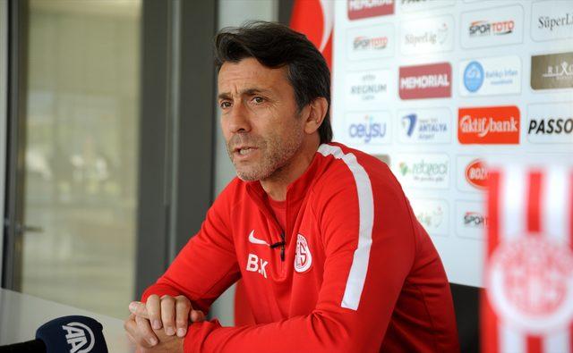 Antalyaspor Teknik Direktörü Bülent Korkmaz