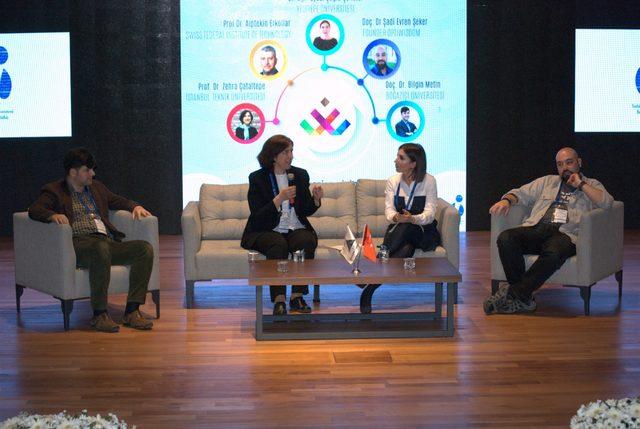 'Geleceğin Dünyası' Yönetim Bilişim Zirvesi'nde tartışıldı