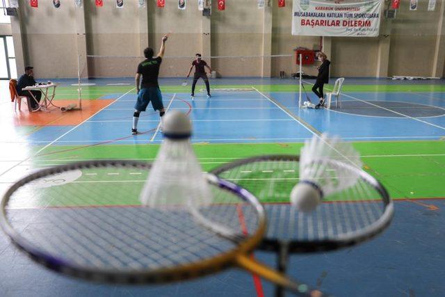 """KBÜ'de """"Badminton Turnuvası"""" yapıldı"""