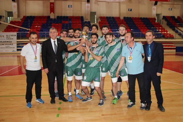 KYK Voleybol Türkiye Finali Grup Eleme Maçları sona erdi