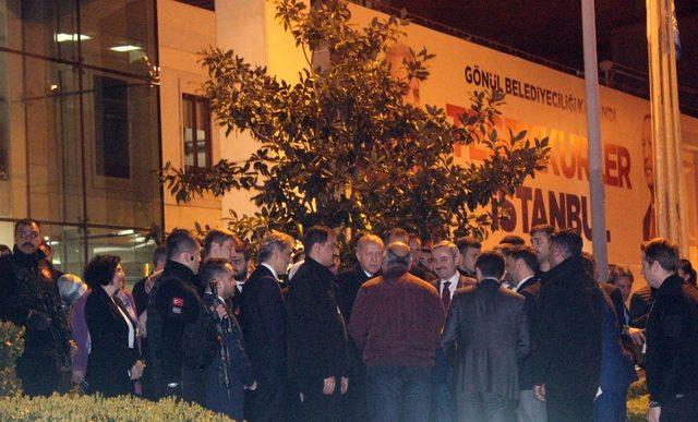 Cumhurbaşkanı Erdoğan, AK Parti İstanbul İl Başkanlığı'ndan ayrıldı