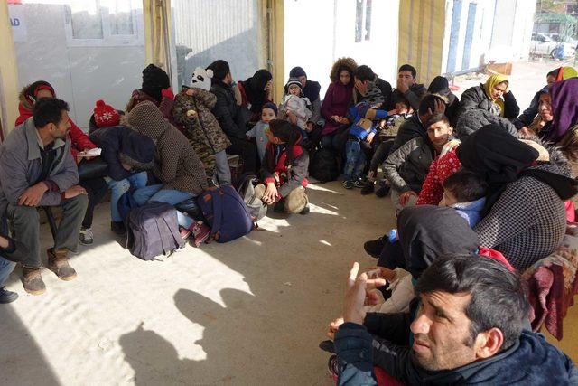 Çanakkale'de 53 kaçak göçmen yakalandı