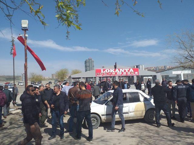 Başkentte oto pazarında silahlı kavga: 4 yaralı