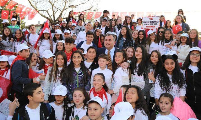 Bin çocuk Anıtpark'tan Ata'sına seslendi
