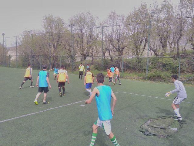Sason'da 170 öğrenci futbol seçmelerine katıldı
