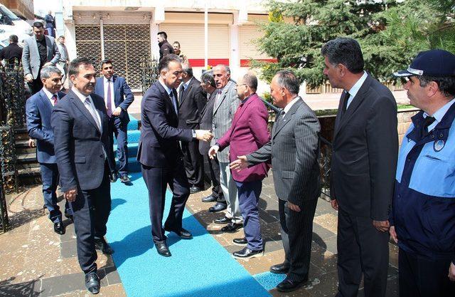 Vali Çağatay'dan Başkan Çoban'a 'Hayırlı Olsun' Ziyareti