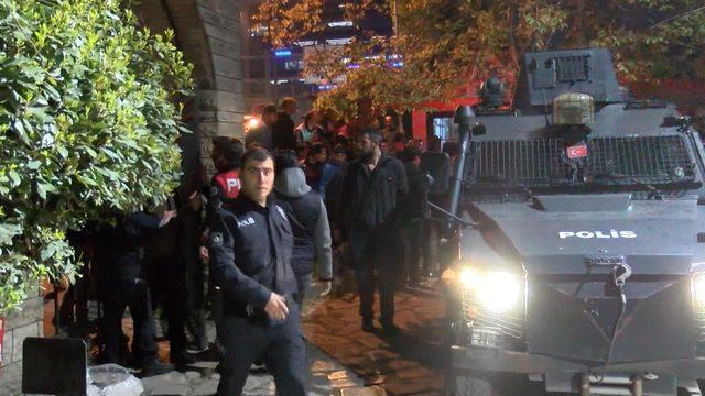 Beyoğlu'nda taciz iddiası; mahalleli sokağa döküldü