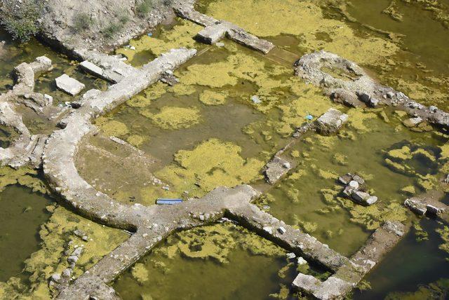 2'nci yüzyıldan kalma Roma hamamı kalıntılarını yosun kapladı