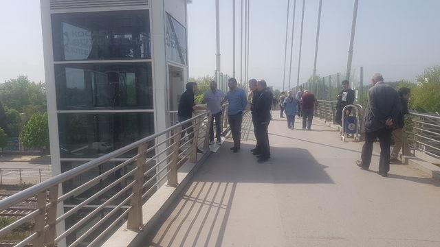 Yaya köprüsünde intihara kalkıştı
