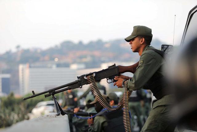 2019-04-30T110310Z_824381797_RC1F91988350_RTRMADP_3_VENEZUELA-POLITICS