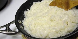 Bilim İnsanları Uyarıyor: Pirinci Haşlayarak Yemek Zehirleyebilir!