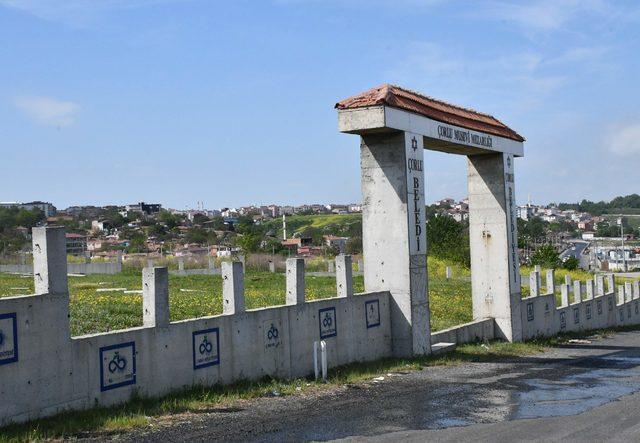 Çorlu Musevi Mezarlığı'nın 100 kiloluk demir kapısı çalındı