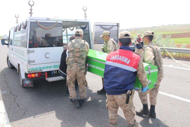 1 Mayıs kutlamasına giden sağlıkçıları taşıyan midibüs devrildi: 5 ölü, 13 yaralı (3)- Yeniden