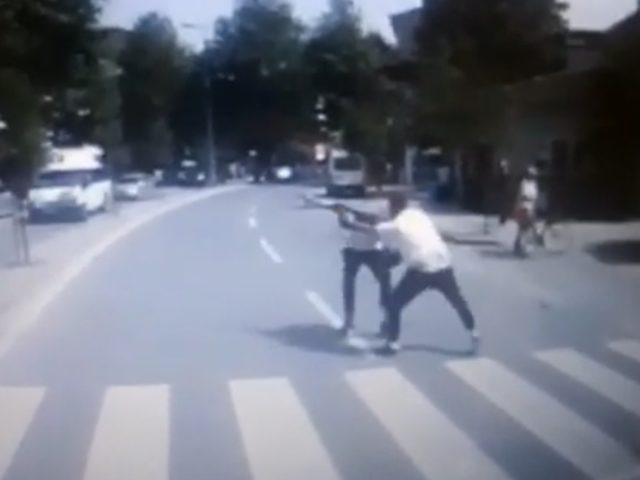 Caddede karşılaştığı husumetlisini bıçaklayarak, öldürdü (2)