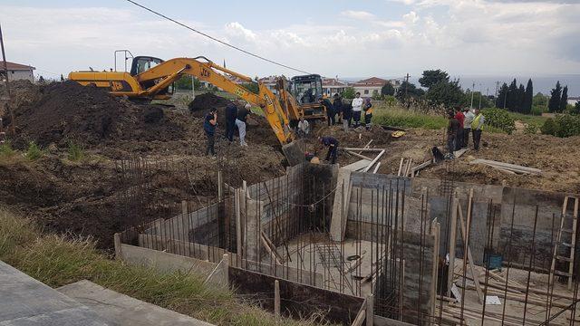 Beylikdüzü'nde toprak altında kalan işçi kurtarıldı