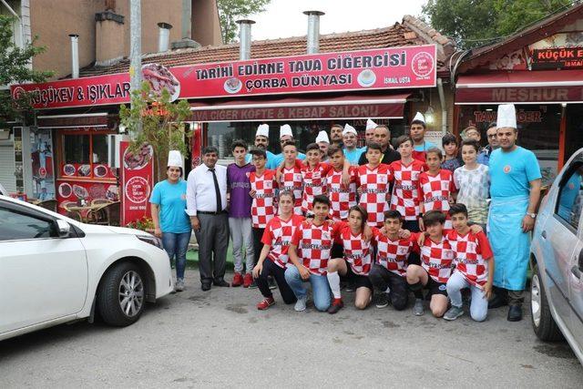 Edirne'de esnaftan genç sporculara destek