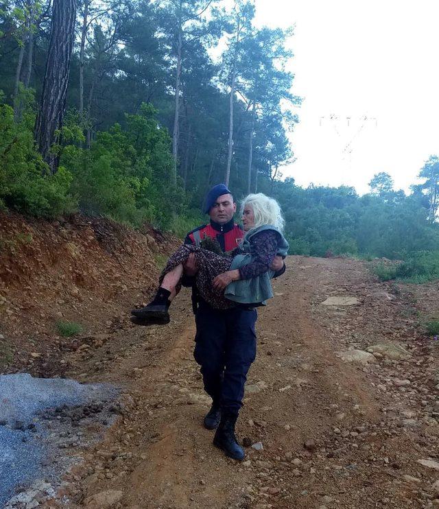 Marmaris'te ormanda kaybolan 100 yaşındaki kadın bulundu