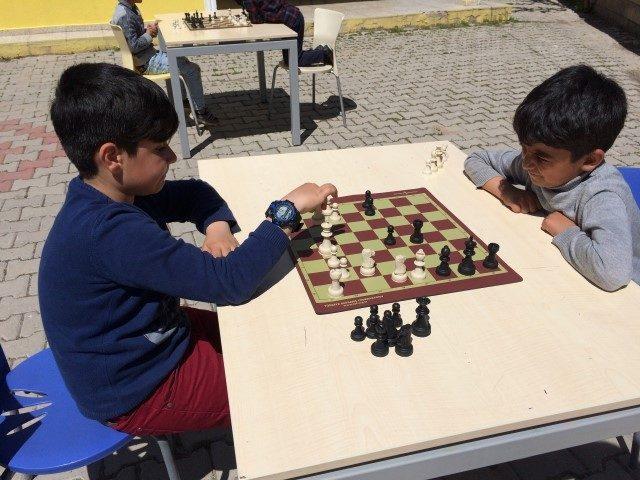 TEGV Muradiye Öğrenim Biriminde satranç turnuvası