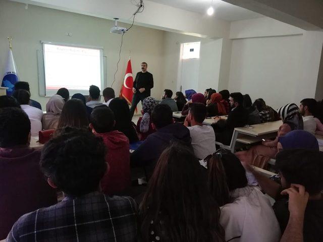 Muradiye'de 'madde bağımlılığı' konulu seminer