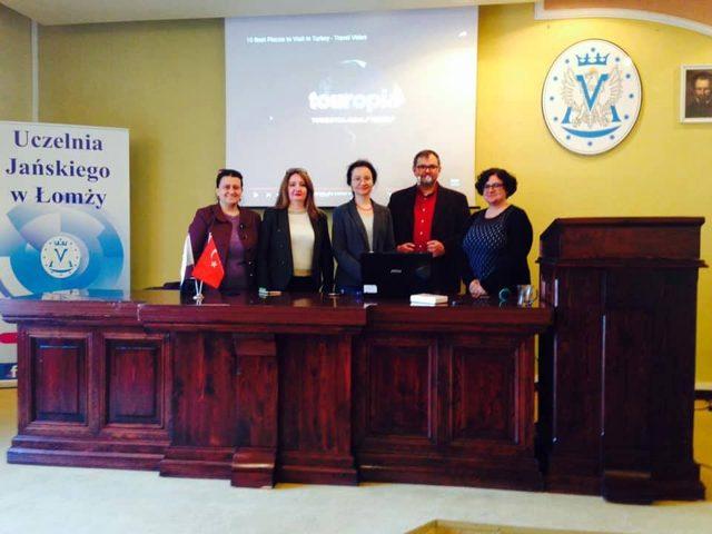 Trakya Üniversitesi öğretim üyelerinden Polonya'da konferans