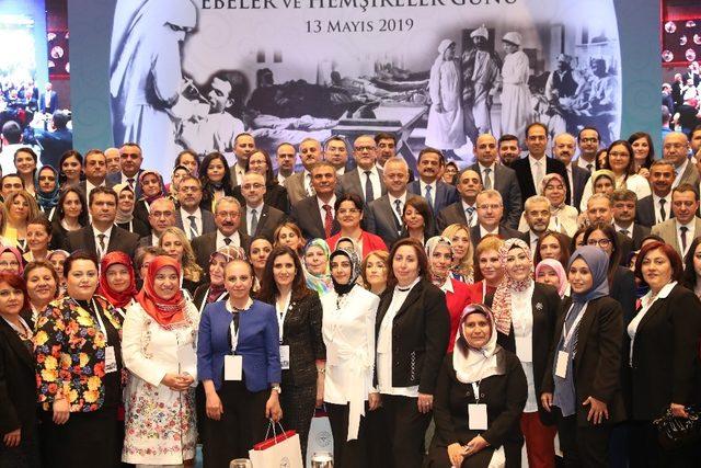 Samsun'da yılın ebe ve hemşiresine Sağlık Bakanlığı'ndan teşekkür belgesi