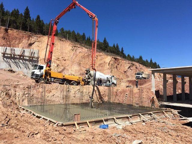 Artvin İçme Suyu Arıtma Tesisi'nin inşaatı sürüyor