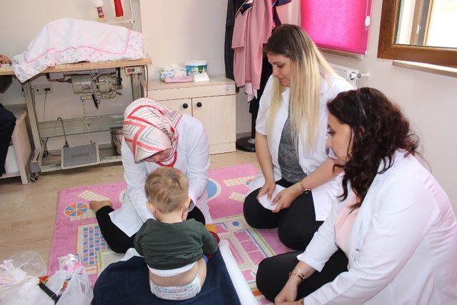 Çocuk evlerine sağlık ziyareti