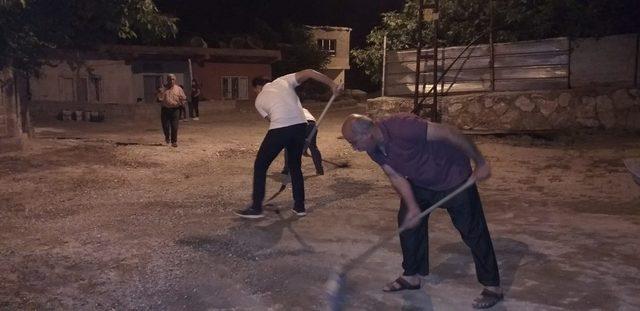 Vatandaşlar mahallelerini temizledi