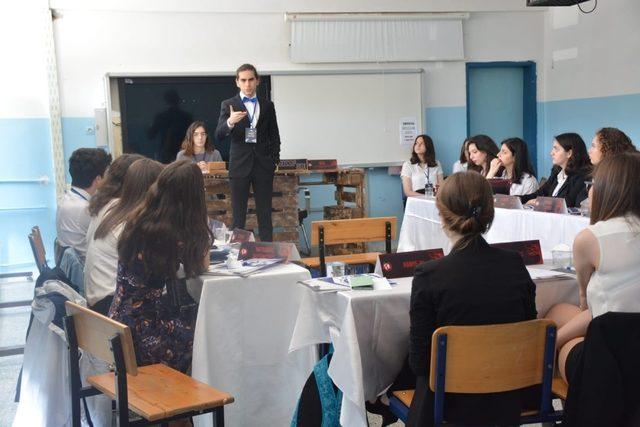 Onur Ateş Anadolu Lisesi'nde uluslararası uygulama